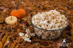 Holiday Spice Popcorn Holiday Spice Popcorn Holiday Spice Popcorn with Essential Oils November 21, 2014 by Abundant HealthLeave a comment Have you tried essential oils in your popcorn yet? Essential oils definitely add amazing flavor to this low-calorie snack. Click on photo to learn how to try  flavor ideas, and enjoy some holiday popcorn this season!