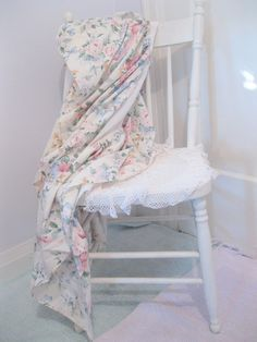 Shabby Chic Bed Skirt Twin Bed Roses Dust by mailordervintage