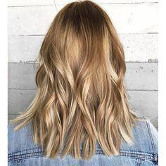 Honey and copper hints. Color by @ashleyrayhair  #hair #hairenvy #hairstyles #haircolor #honey #honeybrown #honeybronde #balayage #highlights #newandnow #newandnow #maneinterest