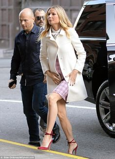 Gwyneth Paltrow is New York chic as she heads to CBS This Morning appearance | Daily Mail Online