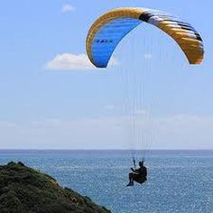 Safety Rules for Paragliding in India  >> Safety is one of the greatest issue when one undertakes #paraglidinginIndia. When one starts with the adventure of paragliding, one aspect which triggers the mind is to find a reliable and efficient instructor who can effectively assist you in your desire to taste the charm of #paragliding.  #365Hops
