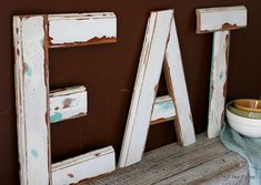 'Eat' sign made out of wood trim! #DIY #sign
