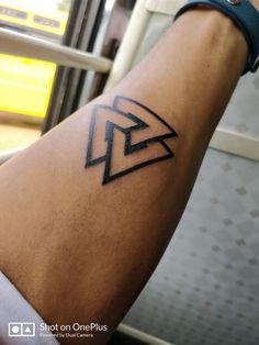 Triangle loop - #loop #tatuajegeométrico #Tatuajesgeometricos #Tatuajeshombresantebrazo #Tatuajeshombresbrazo #Tatuajesimpresionantes #Tatuajesmujeres #triangle