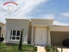 Molduras externas para beirais, guarnições, pingadeiras, peitoris, arcos, colunas, curvas, capitel, requadros de janelas e portas. Fabricadas em isopor (EPS) revestido de argamassa, substitui a moldura de cimento, tem 5 anos de garantia. Entrega para todo o Brasil. Busque por RENESSANS DECOR JUNDIAÍ. Garage Doors, Outdoor Decor, Home Decor, Windows, Columns, Grout, Wall Clings, Railings, Facades