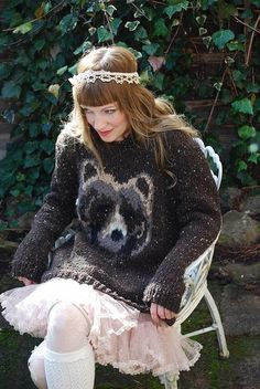SEE:  http://www.etsy.com/listing/57242565/oh-my-bear-knitting-pattern