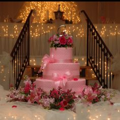 My pink wedding cake! <3