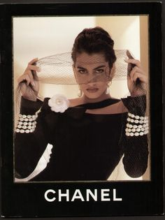 Chanel available at Luxury & Vintage Madrid, bring you the world's best selection of vintage and contemporary clothing, discover our top brands, Express delivery Worldwide ! Chanel Outfit, Chanel Fashion, 90s Fashion, Fashion Brands, Vintage Fashion, Fashion Outfits, Vintage Clothing, Moda Vintage, Vintage Mode