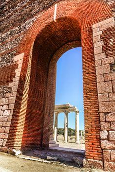 Sardes gymnasium door dated back AD 200.