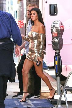 Kourtney Kardashian showed off her long, toned legs in a sexy gold dress on Sept. 18, and now, we have her exact leg workout for you to copy!
