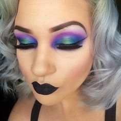 I can do this eye makeup w/ the electric palette. And black lipstick is a win :) Makeup Inspo, Makeup Art, Makeup Inspiration, Makeup Tips, Makeup Ideas, Flawless Makeup, Skin Makeup, Dark Makeup, Corset