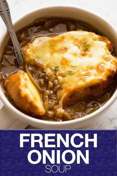 Onion Soup One of the most iconic soups in the world!One of the most iconic soups in the world! Vegetarian Recipes, Cooking Recipes, Healthy Recipes, Classic French Onion Soup, Onion Soup Recipes, Onion Soups, Cheesy Potato Soup, Recipe Tin, Pot Recipe