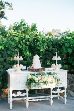 Rachel Cho Flowers | How To Make the Most of your Wedding Florist | Bridal Musings Wedding Blog