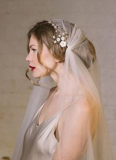 Debbie Carlisle bridal accessories and brooch bouquets - utterly beautiful! Visit dcbouquets.co.uk for further information.