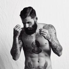 Multi tatouage sur le torse #tatouage #torse #barbe #hipster #style #tattoo