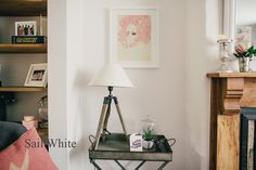 Sail white lounge with natural wood shelves