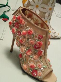 El arte del zapato, Manolo Blahnik | Luisa Gala - Tocados Majadahonda