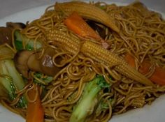 As I was trying to think of what to make with the chicken breasts in my fridge for dinner tonight, I quickly realized that I had lots of amazing fixins in my pantry for a wonderful lo mein. So, I looked in my big Better Homes cookbook, and altered the recipe they had in there. It was so yummy, I just HAD to share!! I think I might make it tonight... =)