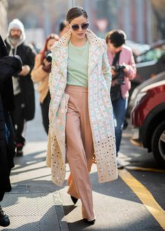 Olivia Palermo is seen wearing coat outside Fendi on Day 2 Milan Fashion Week Autumn/Winter on February 21 2019 in Milan Italy Estilo Olivia Palermo, Olivia Palermo Street Style, Olivia Palermo Lookbook, Elie Saab, Christian Dior, Burberry, Tommy Hilfiger, Street Style 2018, Street Styles