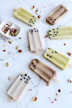 popsicles Frozen Desserts, Frozen Treats, Gelato, Homemade Popsicles, Popsicle Recipes, Popsicle Molds, Ice Ice Baby, Chocolate Hazelnut, Summer Treats