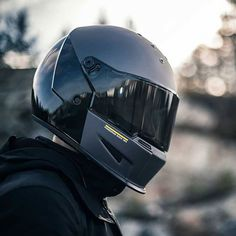 Bell, regarded as one of the best manufacturers in the world of helmets, does have a number of products for you to pick from. Does the Carbon Street Motorcycle helmet live up to its hype? Carbon Fiber Motorcycle Helmet, Retro Motorcycle Helmets, Racing Helmets, Cruiser Motorcycle, Racing Motorcycles, Vintage Motorcycles, Women Motorcycle, Motocross, Bmx