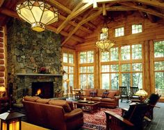 Powerful Vacation Home Design with Rustic Decor : Comfortable Living Room Design With Lake George Vacation Home Equipped With Two Pendant La...