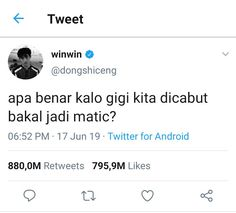 Haha Quotes, Quotes Rindu, Quotes Lucu, Mood Quotes, Funny Quotes, Funny Memes, Lame Jokes, Text Jokes, Funny Tweets Twitter