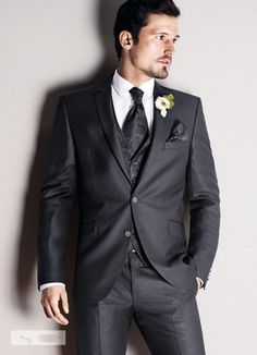 Dark grey mens Wedding suits notched Lapel mens suits 2015 tuxedos two button groomsmen suits three piece Suit (Jacket+Pants+vest+tie) h603
