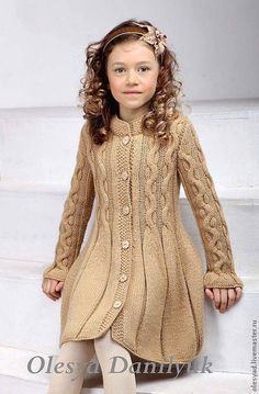 "Vestido menina tricot [ ""Little girls Knitting For Kids, Baby Knitting Patterns, Crochet For Kids, Knitting Designs, Free Knitting, Crochet Baby, Knitting Bags, Crochet Patterns, Knitting Ideas"