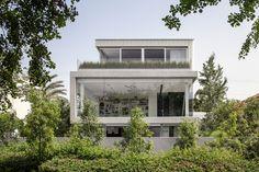 Galeria de Um Corte Concreto / Pitsou Kedem Architects - 26
