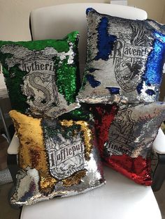 Harry Potter pillow - Mermaid pillow cover - hogwarts house crest - mermaid sequin pillow - insert included Choose your house and choose a color! *Mermaid pillow covers now include free pillow insert (domestic only). Harry Potter Diy, Harry Potter World, Objet Harry Potter, Harry Potter Pillow, Harry Potter Bedroom, Images Harry Potter, Theme Harry Potter, Harry Potter Outfits, Harry Potter Birthday