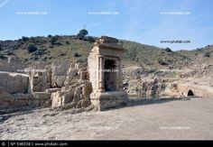 Hornacina del siglo XVI sumergida durante años en el pantano de Alcántara y que la sequía sacó a la luz.