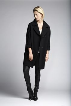 The black Akira coat with a iggy top with as bottoms the Lexis stretch leather pants.  Fashion // clothing // woman // inspiration // www.dante6.com