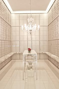 Philippe Starck, Icon Miami mail room