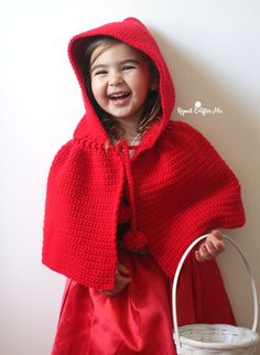 Little Red Riding Hood Cape - easy (one size 3 to 5 years - free pdf instructions)