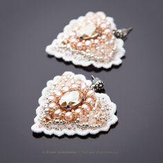 Bead embroidered earrings / Серьги ручной работы. «Angeli» кружевные серьги с…