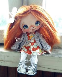 Ирина Плотникова Tiny Dolls, Soft Dolls, Crochet Toys Patterns, Stuffed Toys Patterns, Doll Head, Doll Face, Diy Art Dolls, Little Dolly, Bear Doll