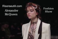 Fashion show Alexander McQueen fall winter 2016 2017 womenswear