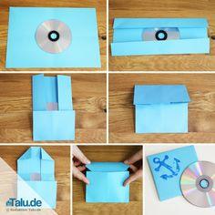 Haben Sie auch lose CDs ohne Hüllen rumliegen? Kein Problem - wir haben die Lösung. Falten Sie CD-Hülle ganz einfach selbst und zwar so: