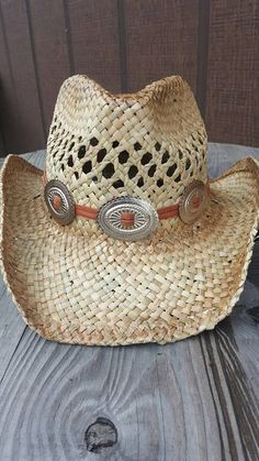 Artículos similares a Straw cowboy hat with leather concho hat band f4d2eeee1bd