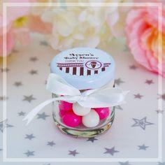 Minik şeker kavanozları sevginizi ve teşekkürünüzü ifade etmenin en tatlı yollarından biri olacak.