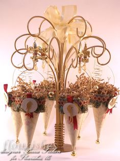 Tussie mussie centerpiece or decoration maybe thanksgiving? or any holiday using different scrapbook paper