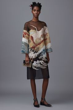 strapazzolli: Valentino Pre-Fall 2016. Valentino Pre-Fall 2016 - traditional Japan motifs of flying cranes over a raging sea.