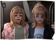The Best Mary Kate & Ashley Movie Fashion Moments That Gave Us Serious Teen Style Envy Mary Kate Ashley, Mary Kate Olsen, Spice Girls, Ashley Movie, Fashion Magazin, 90s Girl, Outfits Casual, Olsen Twins, Ashley Olsen