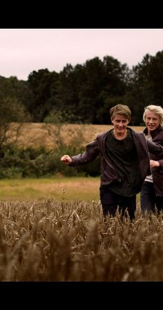 Eyewitness - Created by Jarl Emsell Larsen.  With Axel Bøyum, Anneke von der Lippe, Odin Waage, Per Kjerstad. Two 15 year old boys secretly meet up in the forest, only to witness a blood bath. They are seen, but escape trying to keep this as a secret, both in fear of the perpetrator and that their secret is revealed.