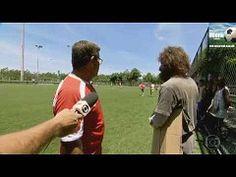 Falcão se desfarça de mendigo e jogo futebol -globo esporte http://www.youtube.com/watch?v=387HwgxM1EM