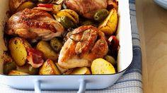 Hähnchen mit Knoblauch-Kartoffeln, Oliven und Rosmarin