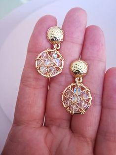 Pendientes largos pendientes dama de honor pendientes   Etsy Diy Jewelry Rings, Cute Jewelry, Jewelery, Jewelry Making, Jewelry Accessories, Unique Jewelry, Bridal Earrings, Beaded Earrings, Earrings Handmade