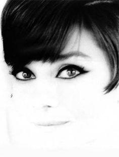 I like Audrey Hepburn's eye make up here