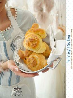 """Ein neues Rezept für den Osterbrunch auf meinem Blog: www.lisalibelle.com - """"Hefeteig Häschen mit einer süssen Kruste aus braunem Rohrzucker"""". Ich wünsche allen ein schönes Osterfest - make life lovely, eure AnnaLISA - LISA LIBELLE"""