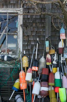 lobster shack in Rockport, Massachusetts Rockport Massachusetts, Lobster Shack, Lakeside Living, New England States, Beach Shack, Am Meer, Gloucester, Nursery Themes, Nantucket